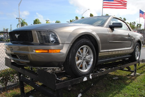 2005 FORD MUSTAN