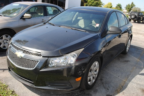 2013 CHEVY CRUZ LS Auto